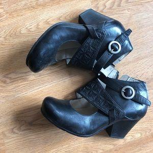 Miz Mooz Black Shoes Buckle Size 8.5 heels
